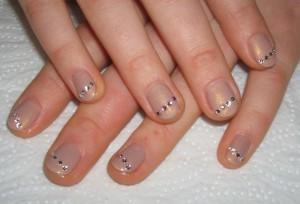 Маникюр на короткие ногти2